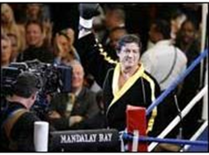Rocky yine ringde